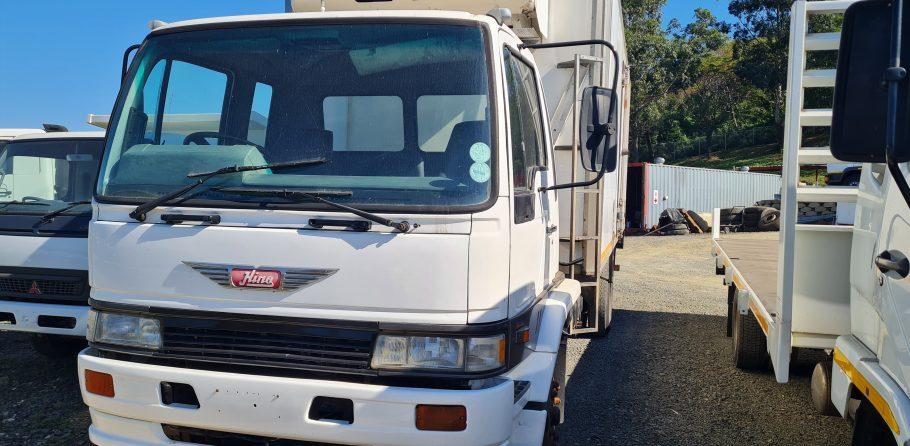 1994-hino-fridge-truck-www.n2trucks.co.za