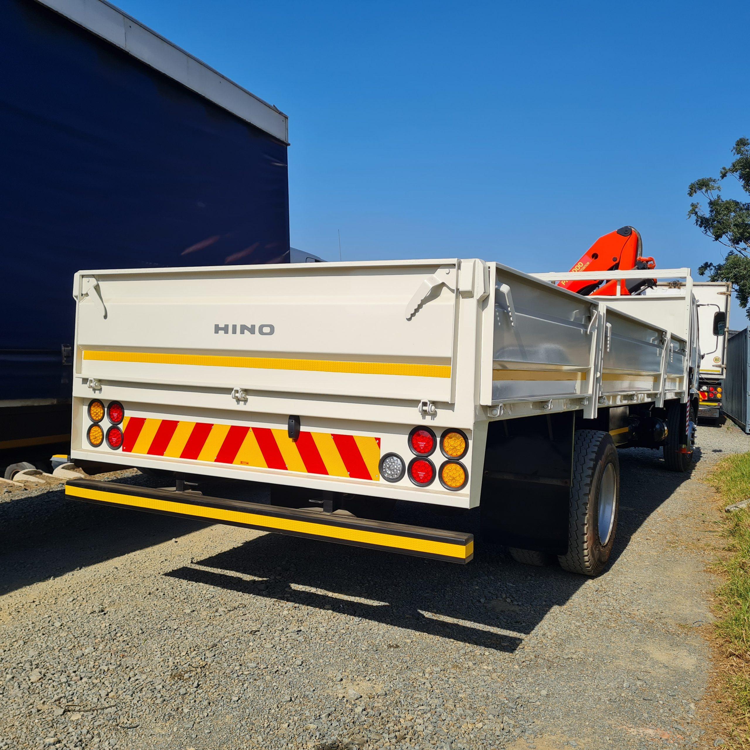 hino500-crane-truck-www.n2trucks.co.za