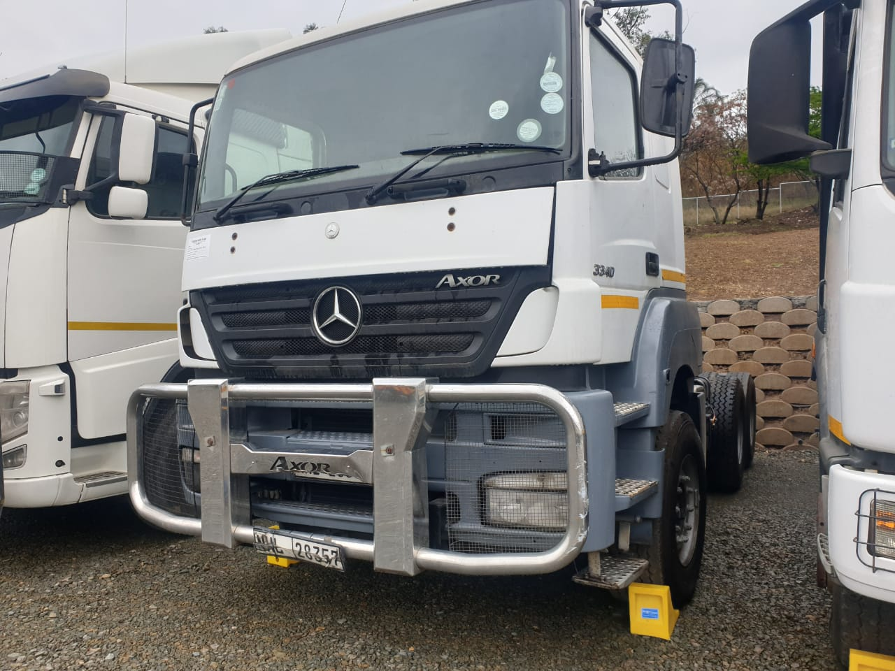 2010-merc-bezn-axor-3340-www.n2trucks.co.za
