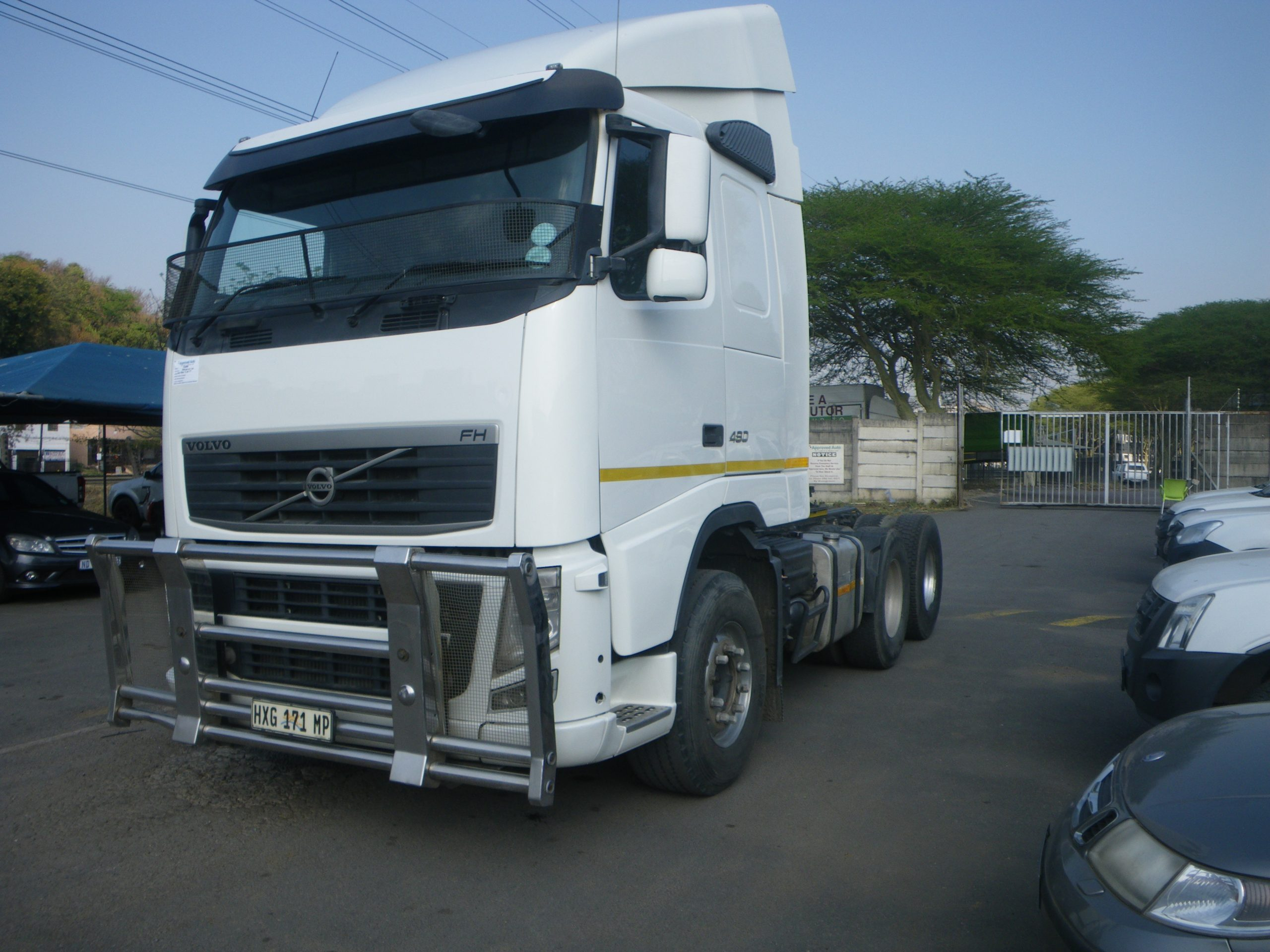 2012-volvo-fh480-truck-tractor-www.n2trucks.co.za