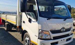 2013-hino-300-915-fridge-truck-www.n2trucks.co.za