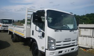 2015-isuzu-nqr500-dropside-www.n2trucks.co.za