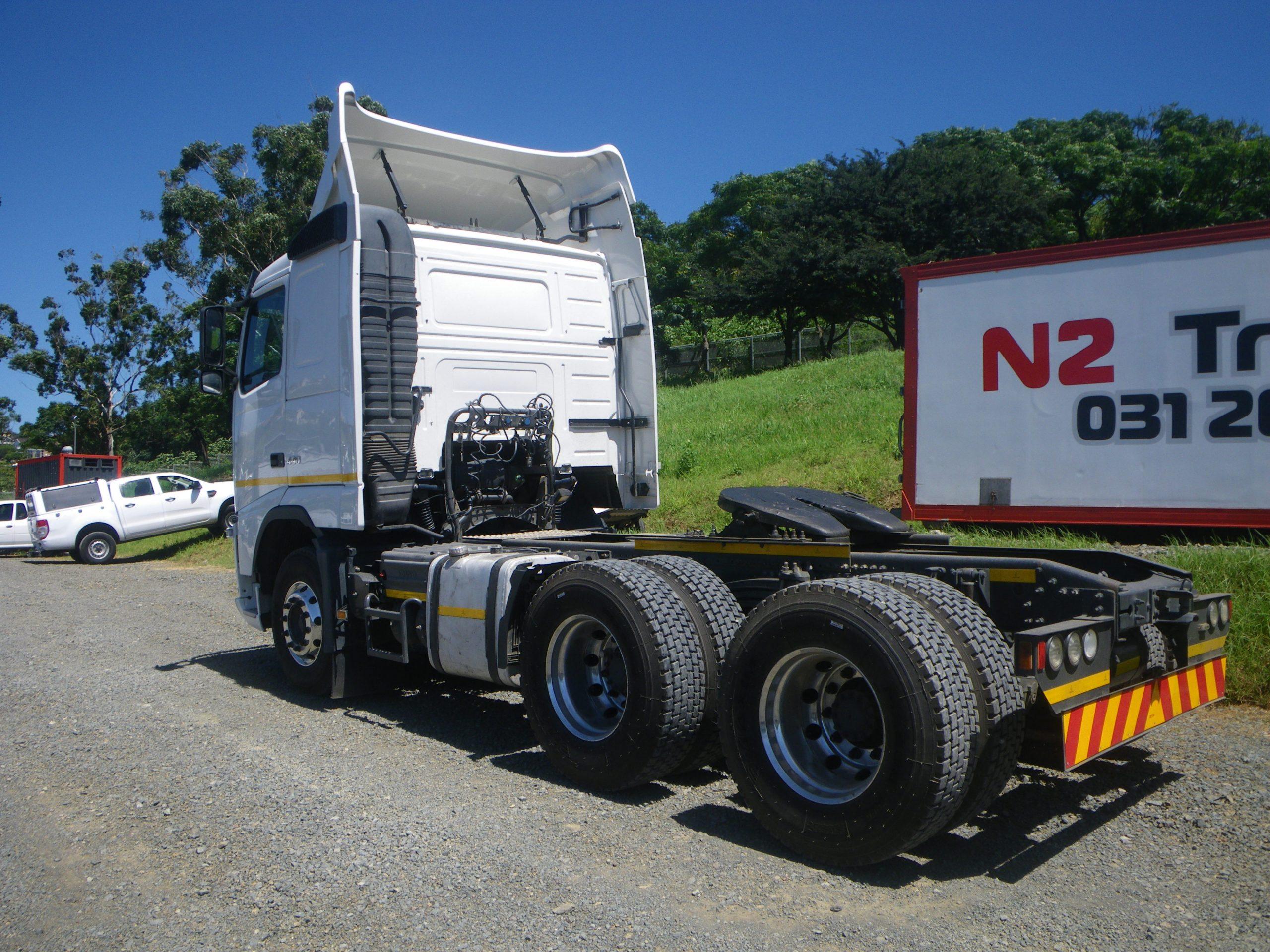 2014-volvo-fh440-truck-tractor-www.n2trucks.co.za