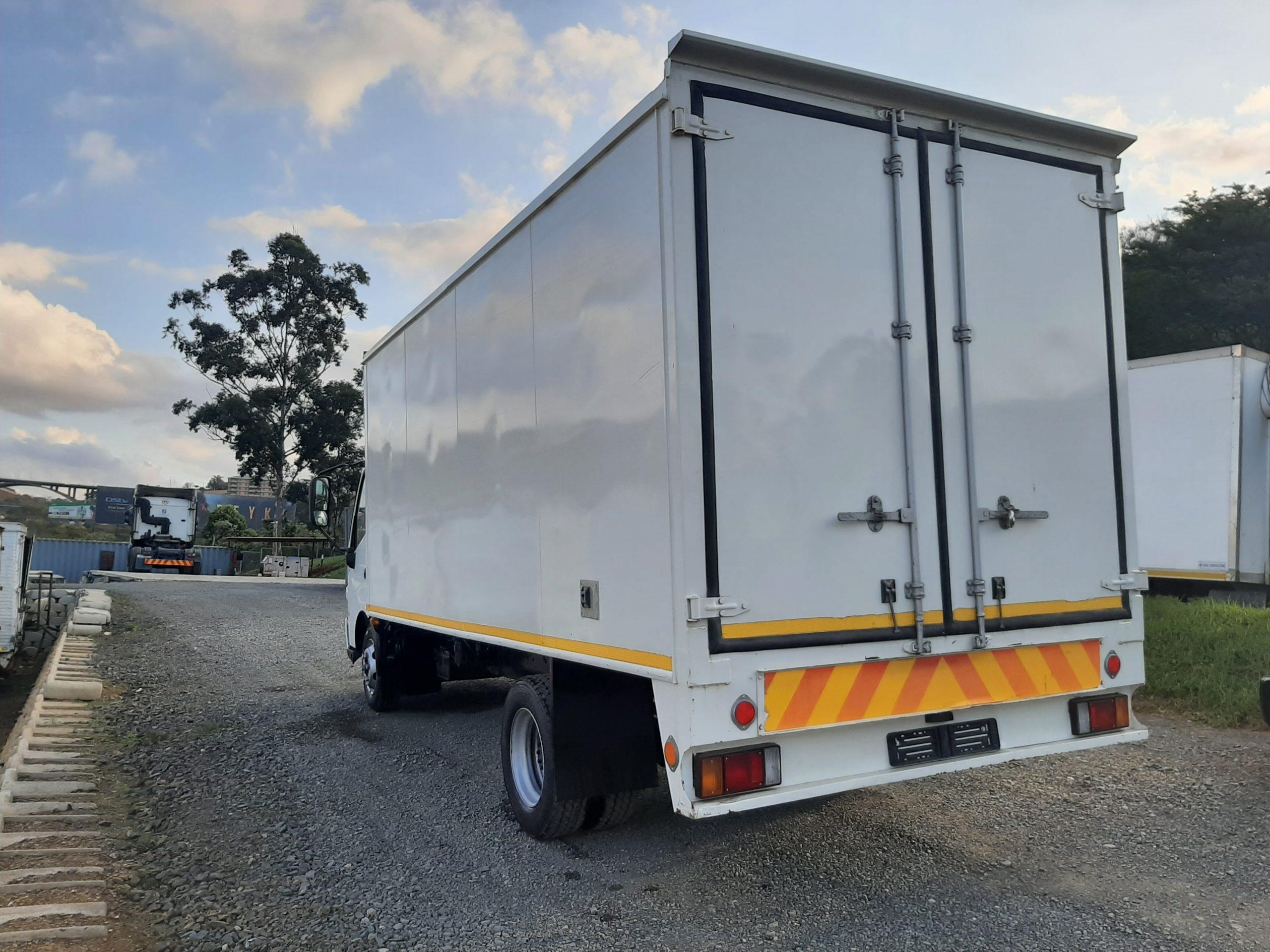 2018-hino300-814-vanbody-www.n2trucks.co.za